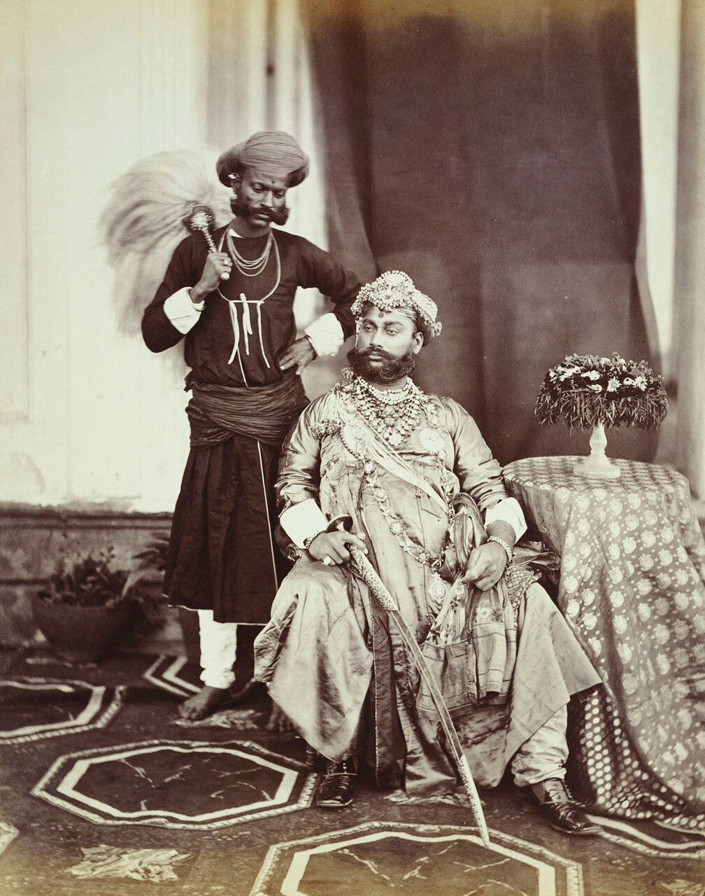 Махараджа Тукоджи Рао Холкар II (1835-86) из княжества Индаура