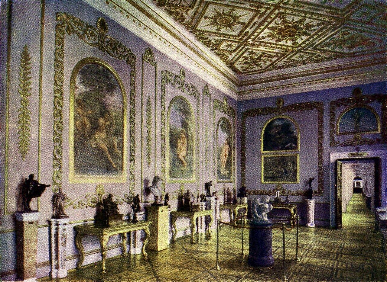 Зал фресок школы Рафаэля