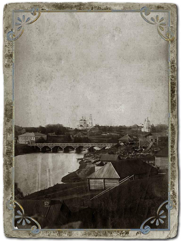 Вид на Кашинку и Московский мост от Воскресенского собора, 1890-е