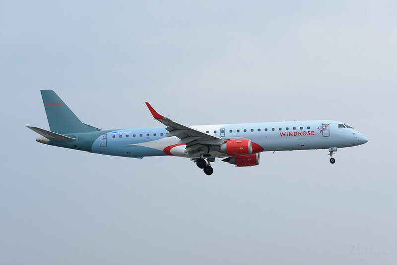 Embraer 190-200IGW (UR-WRF) Wind Rose Aviation DSC_9349