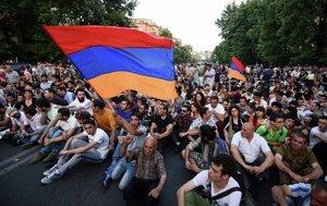 Активисты в Ереване планируют продолжить протест