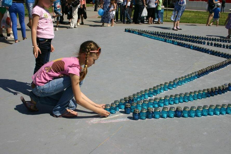 Запорожцы выложили огромную «Звезду памяти» из множества лампад-свечей (ФОТО), фото-1