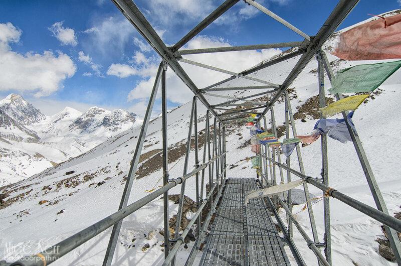 Мост в Гималаях, где-то между торонг ла и high camp