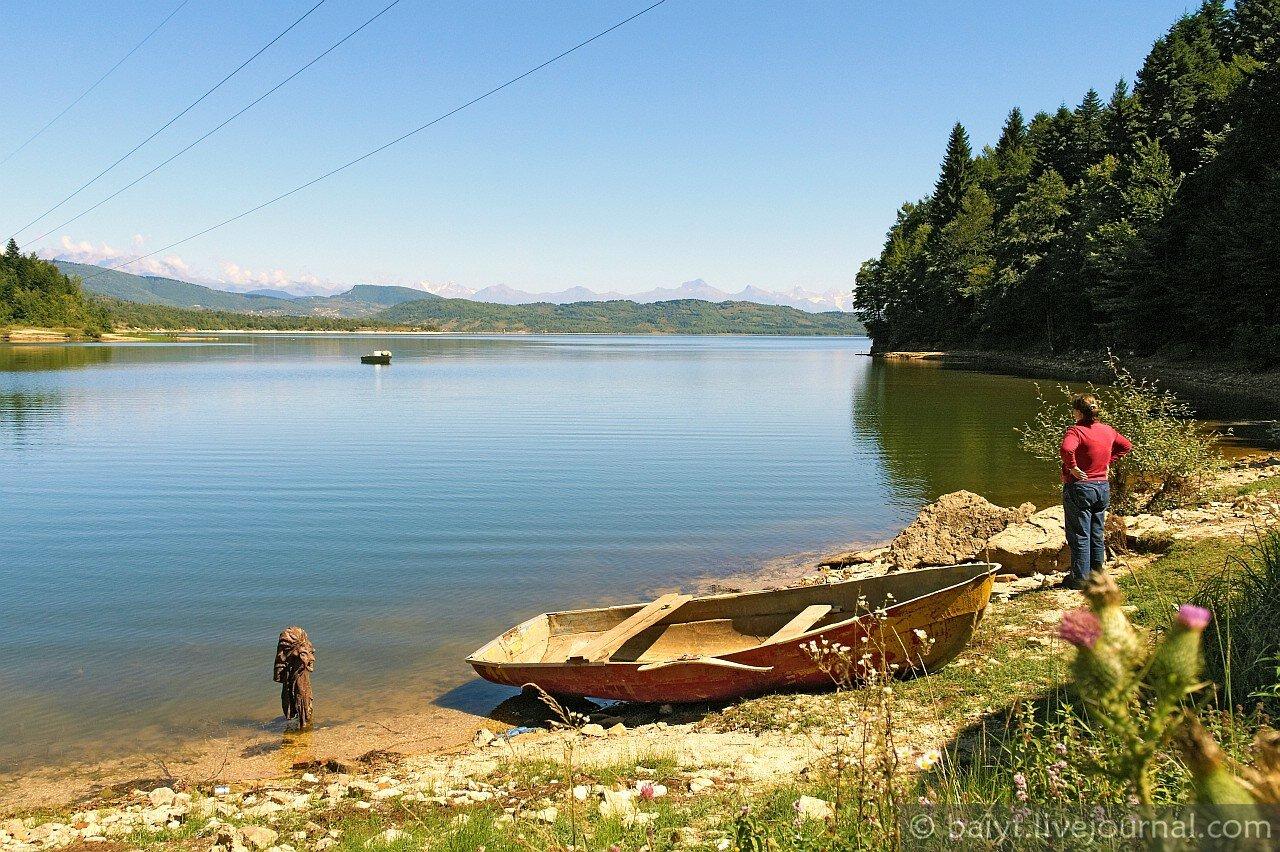 На озере Шаори