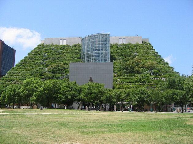 Здание Acros Fukuoka. Япония