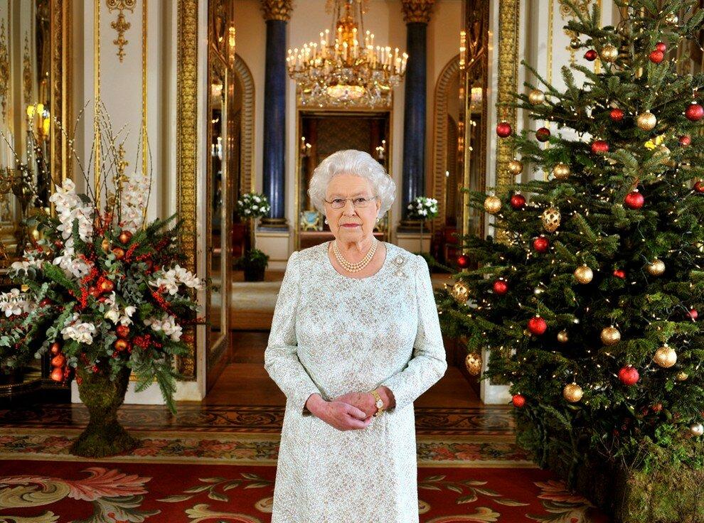 Елизавета II поздравила своих подданных с Рождеством