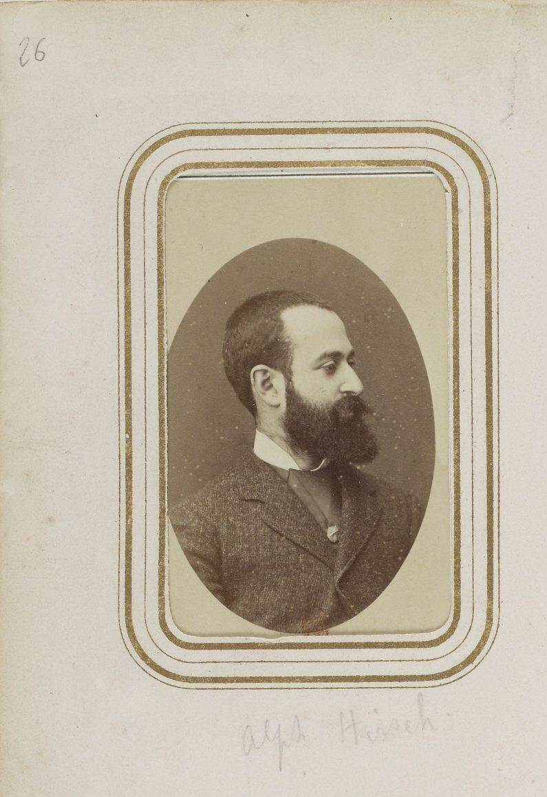 Гирш, Альфонс — живописец (1843—1884), дебютировал в граверном искусстве, но перешел потом к живописи масляными красками.