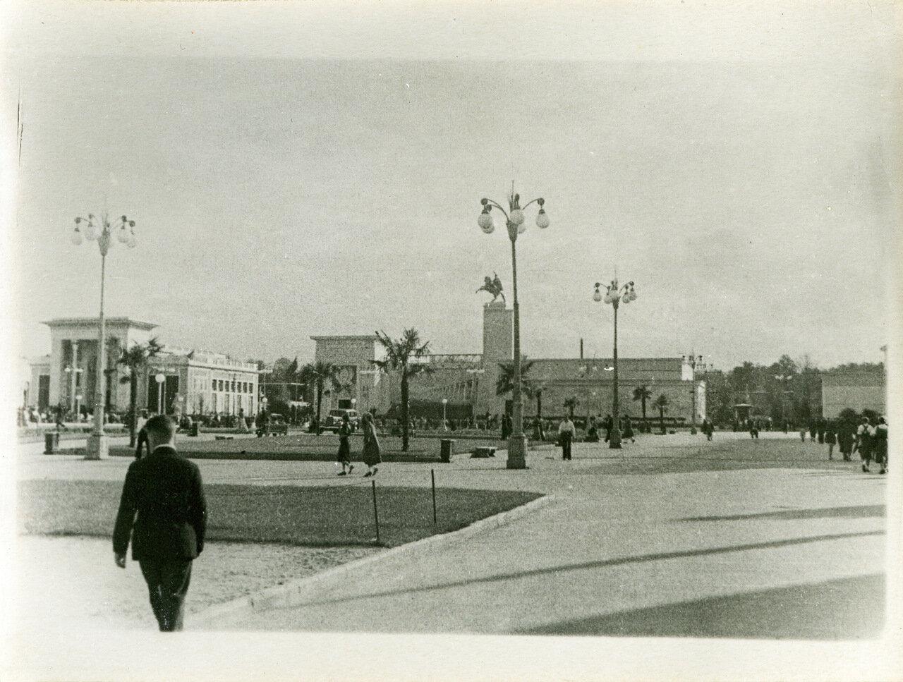 ВСХВ 1940. Павильоны Азербайджана, Поволжья и угол павильона Белоруссии