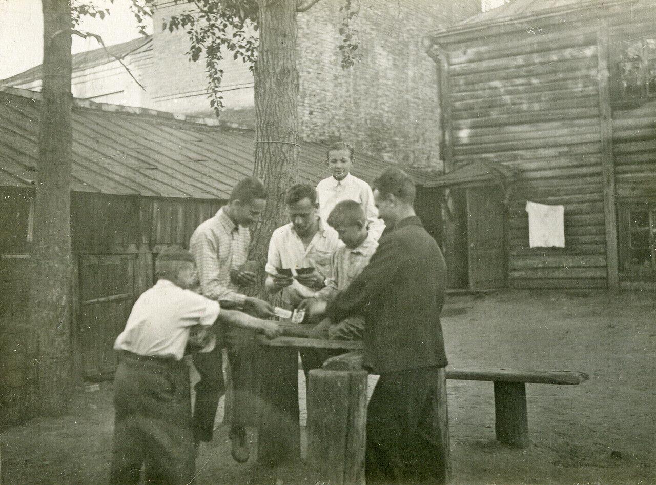 1940. Двор дома №6 по Дорогомиловскому валу.