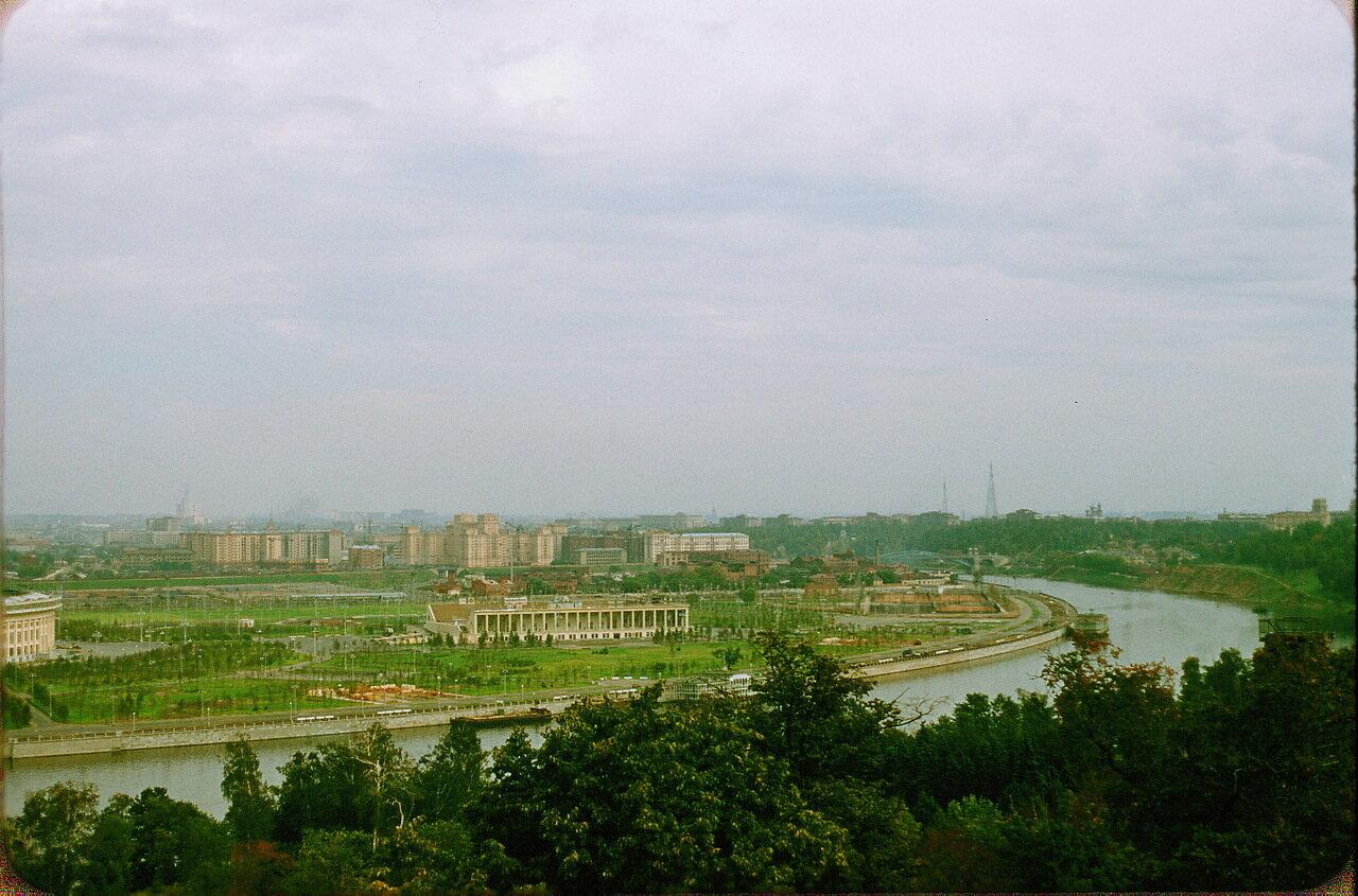 Москва-река вниз по течению от Ленинских Гор