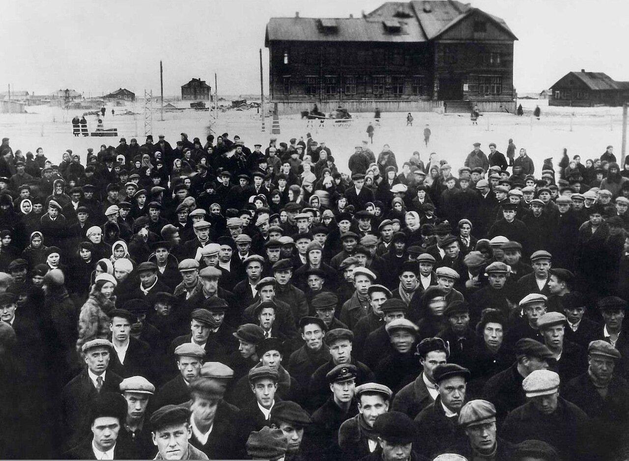 1939. Проводы призывной молодежи в Красную Армию.Ненецкий округ