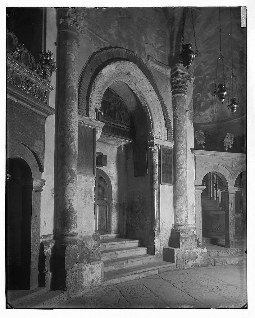 Подземная крипта Храма. Между 1898 и 1914 гг