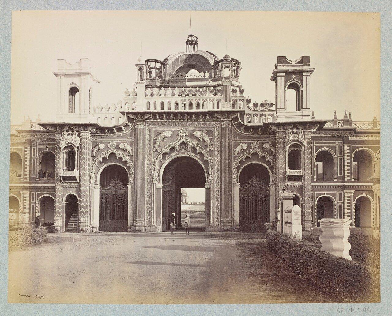 Западные врата дворца Кайсар Бах. 1864 г.