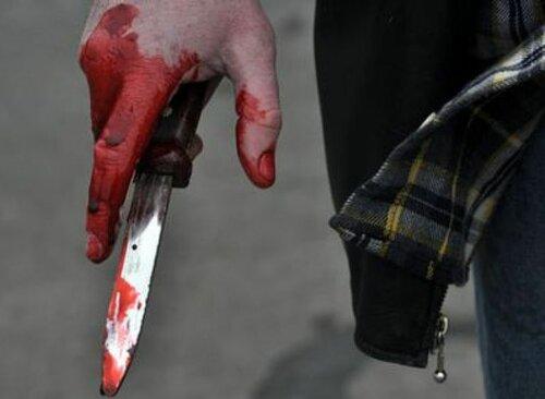Руки в крови выглядят так...