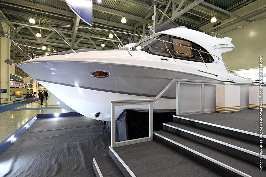 моторная яхта «Beneteau»