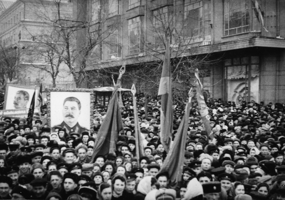 1951.02.27. 250-тысячный митинг трудящихся Киева, посвященный выборам в Верховный Совет
