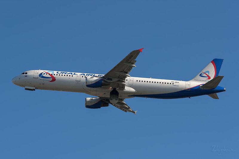 Airbus A321-211 (VQ-BDA) Уральские Авиалинии DSC6711