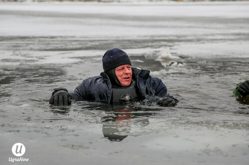Спасатели рассказали как спасти провалившегося под лёд