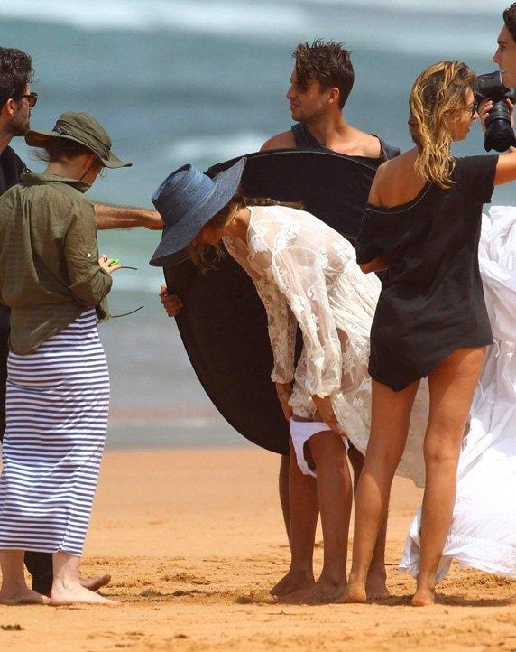 Miranda Kerr / Миранда Керр в эротичном нижнем белье на съемках рекламы Kora Organics в Сиднее