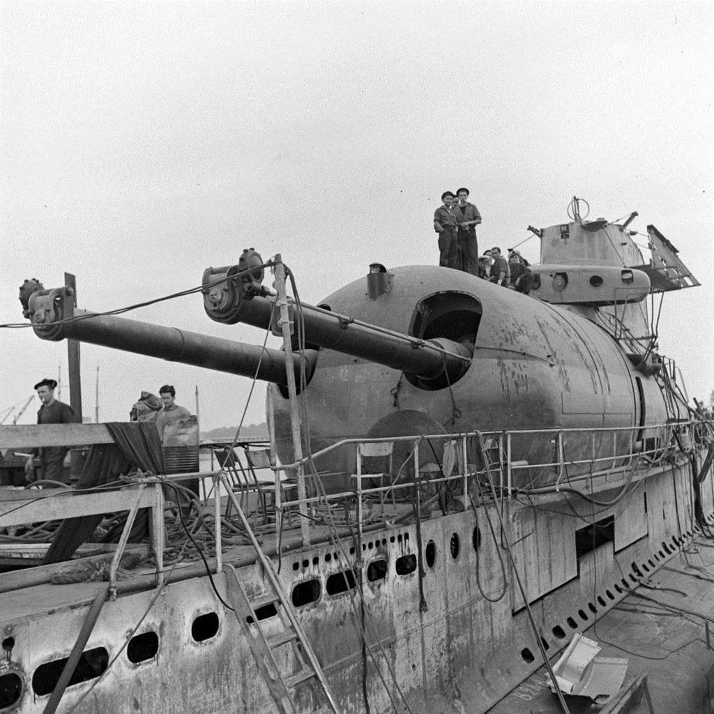 Орудийные дуэли на подводных лодках
