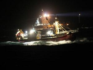 В Северном море при столкновении затонул корабль, ищут его команду