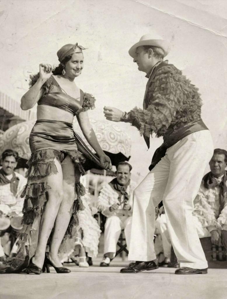 Эротика народного танца 16 фотография