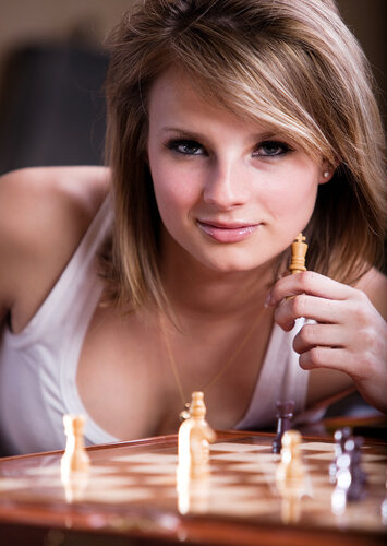 Ты несравненно играешь в шахматы...