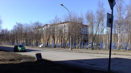Фотография Инты №4201  Юго-восточный угол ЦГБ (Мира 10) 01.05.2013_12:34