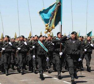 В Казахстане 7 мая - День защитника отечества