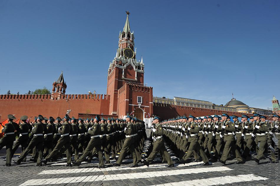 Картинки военного парада к дню победы