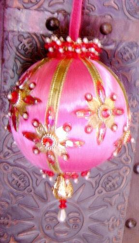 Новогодние шары в стиле шебби