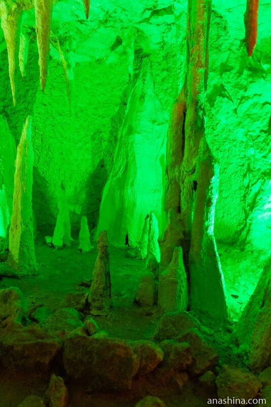 Искусственные сталактиты и сталагмиты, Пешелань