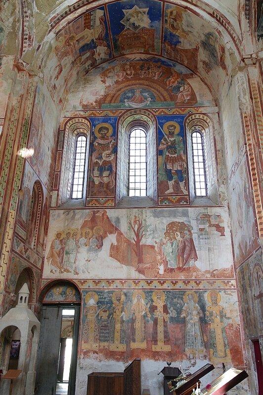 Северная стена собора в Гелати