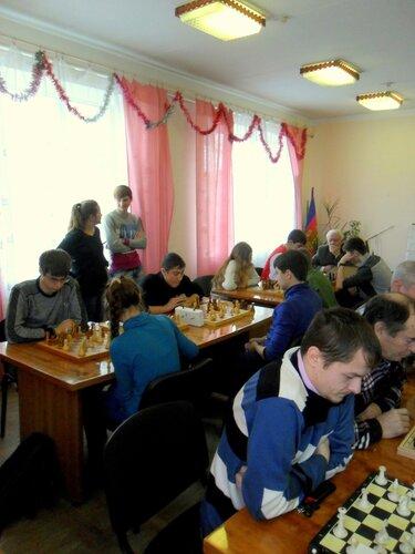 """Шахматный турнир в редакции, газета """"Приазовье"""", 23 февраля"""