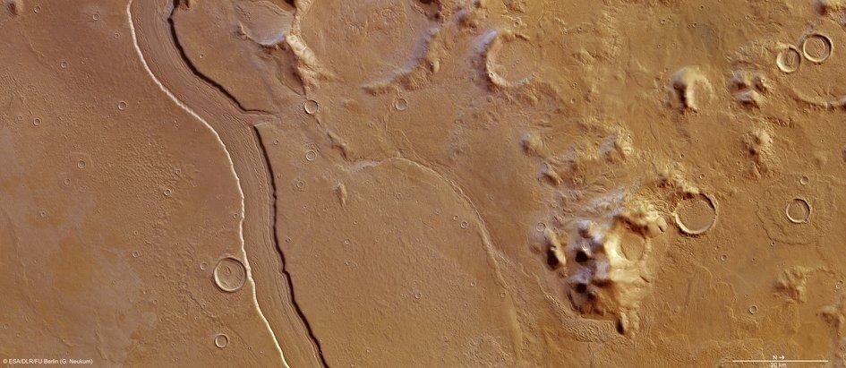 На Марсе текли реки буквально на днях...