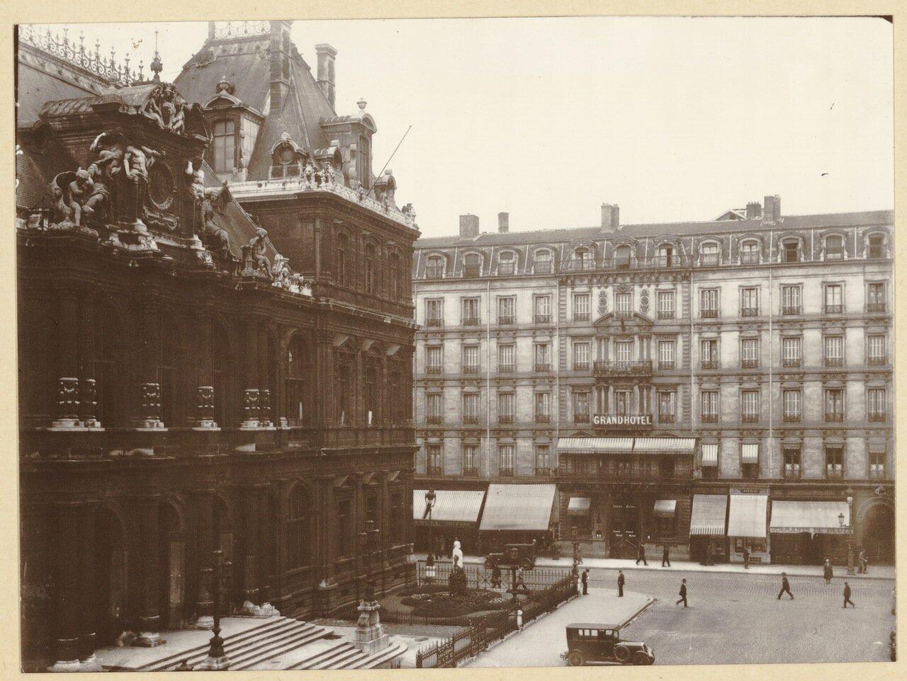 1930. Биржевая площадь, «Grand Hotel De La Republique»