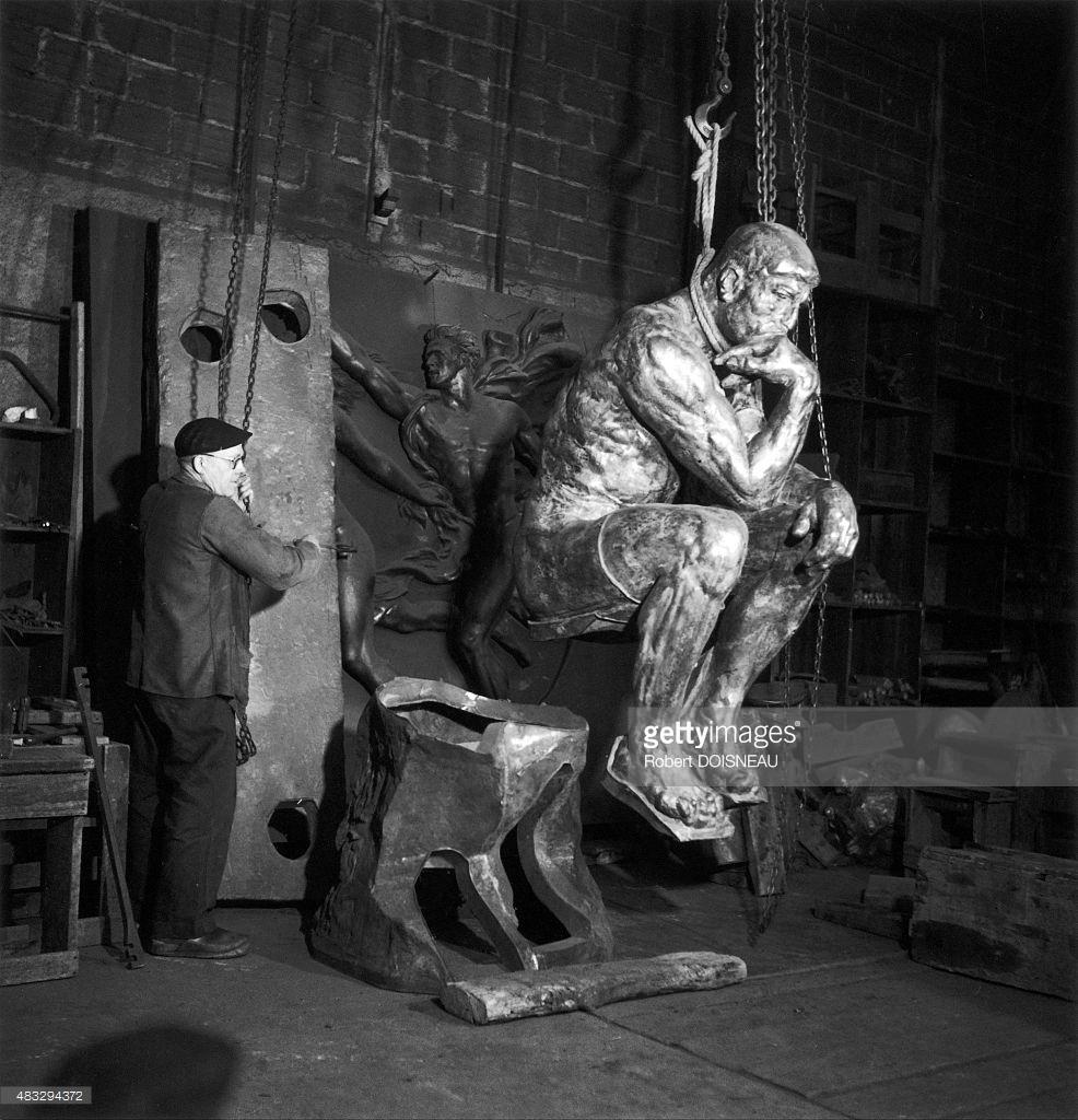 1950. Знаменитая скульптура «Мыслитель» в литейной мастерской Юджина Рудиера