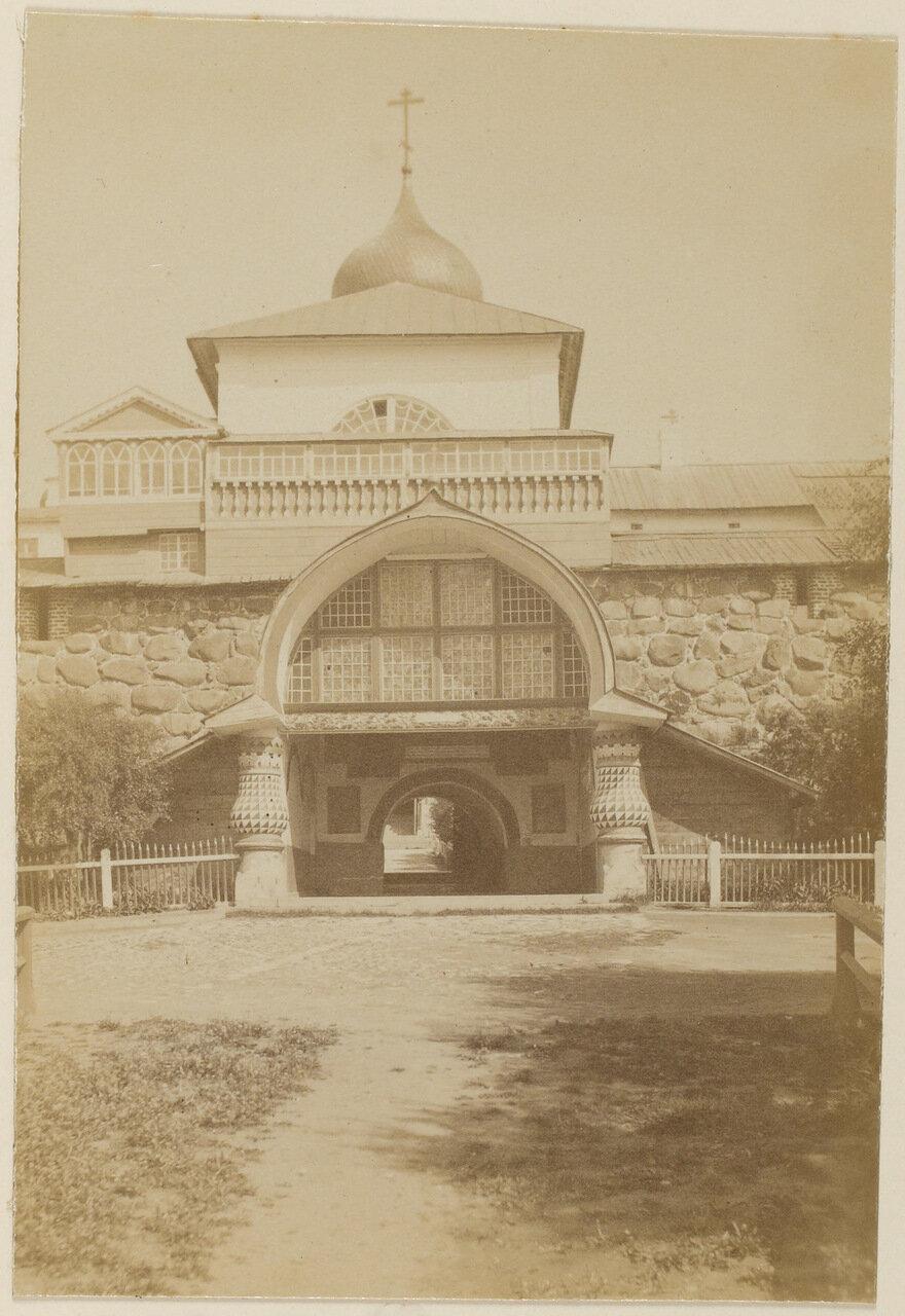 Соловецкий монастырь. Входные врата монастыря называемые «святыми»