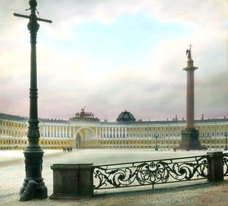 Санкт-Петербург. Общий вид Дворцовой площади