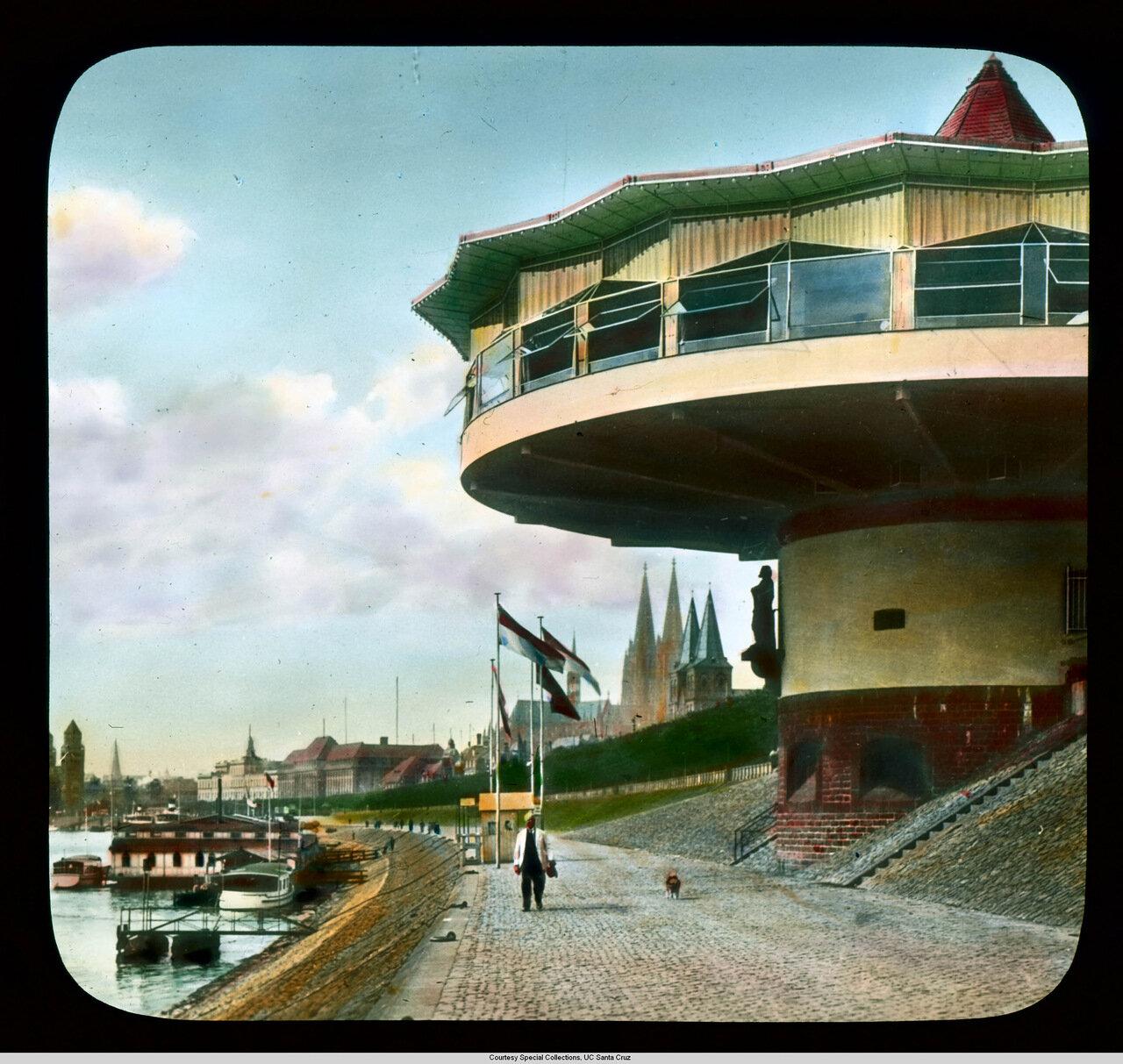 Кельн. Ресторан Бастай на берегу Рейна