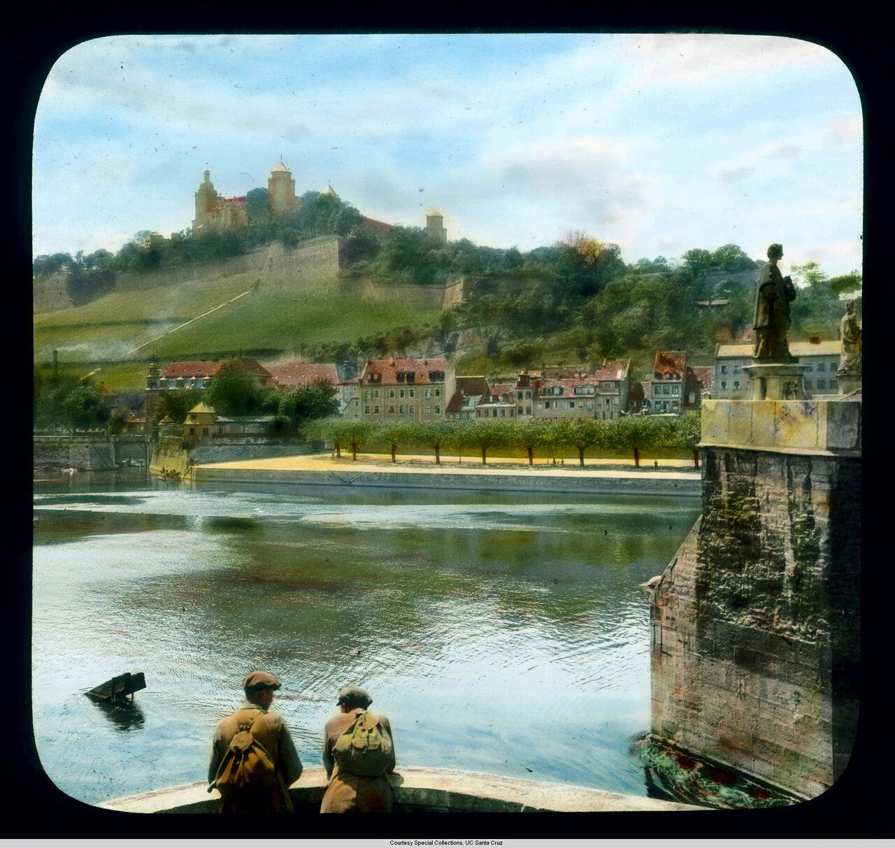 Вюрцбург. Крепость Мариенберг. Вид со Старого моста
