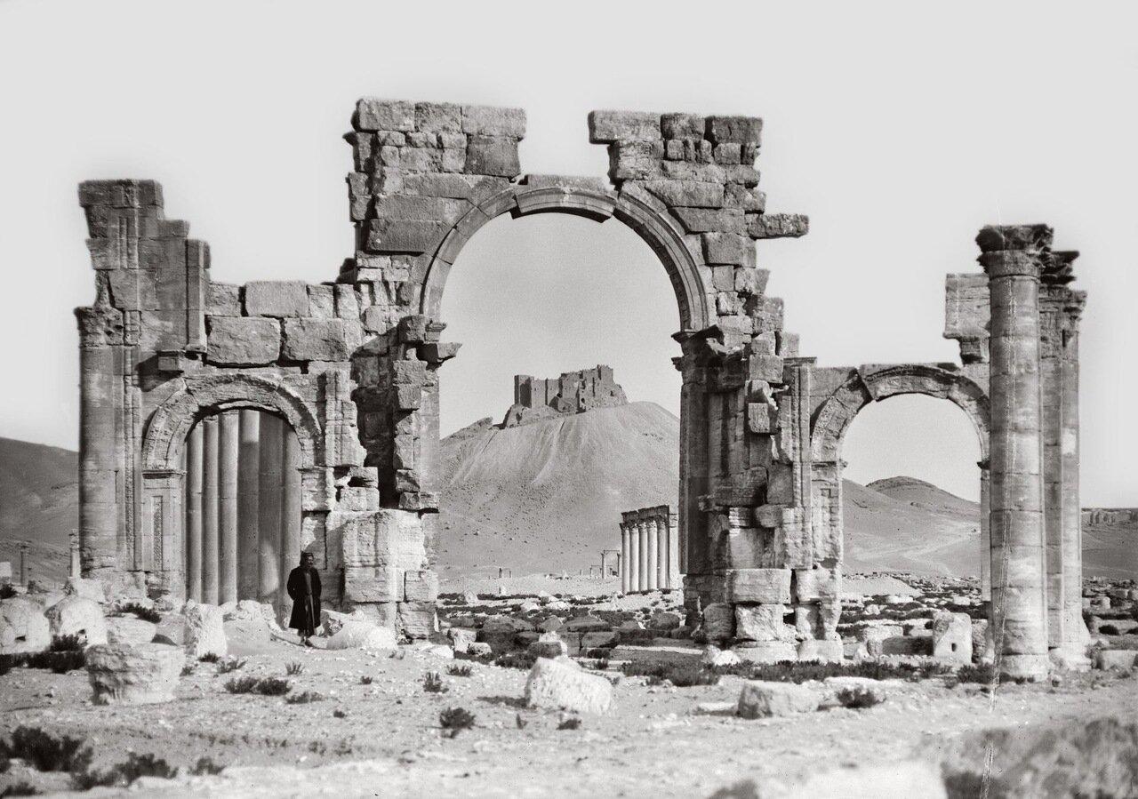 Триумфальная арка, центральная часть. Пальмира. Тадмор, Сирия. 1900-1920 гг.