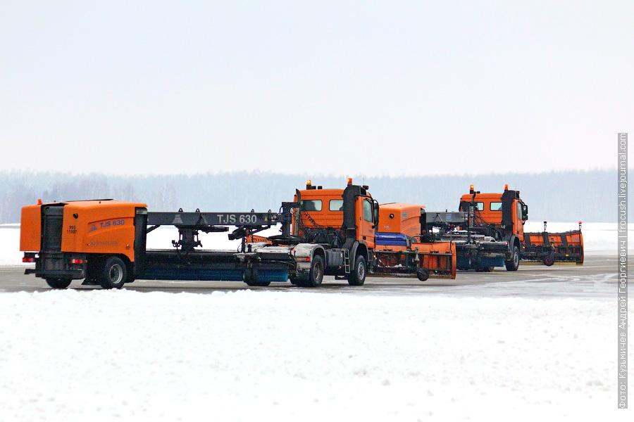 очистка ВПП от снега