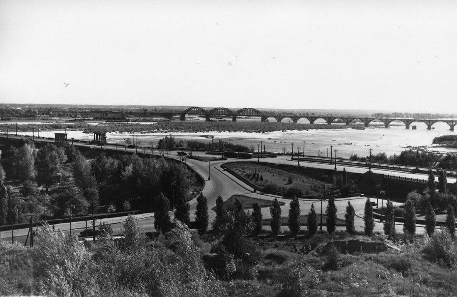 1959. Автомобильная развязка перед мостом имени Е.О. Патона.
