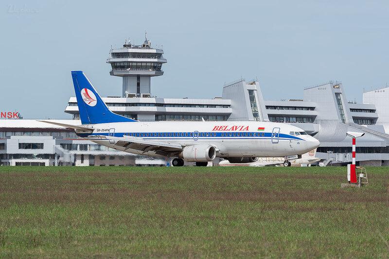 Boeing 737-3Q8 (EW-254PA) Белавиа D800363