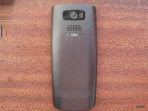 Nokia X2-02 (задняя сторона)