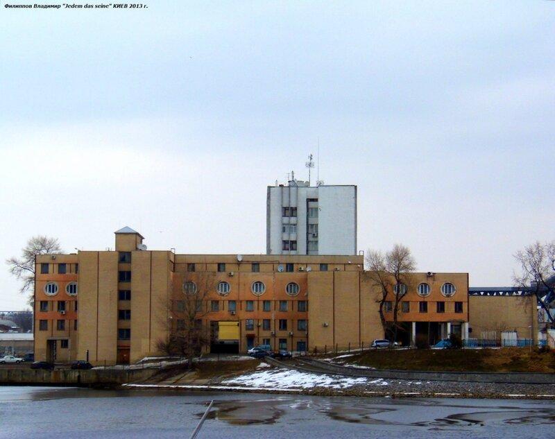 Панорама на здания по ул.Набережно-Рыбыльской.