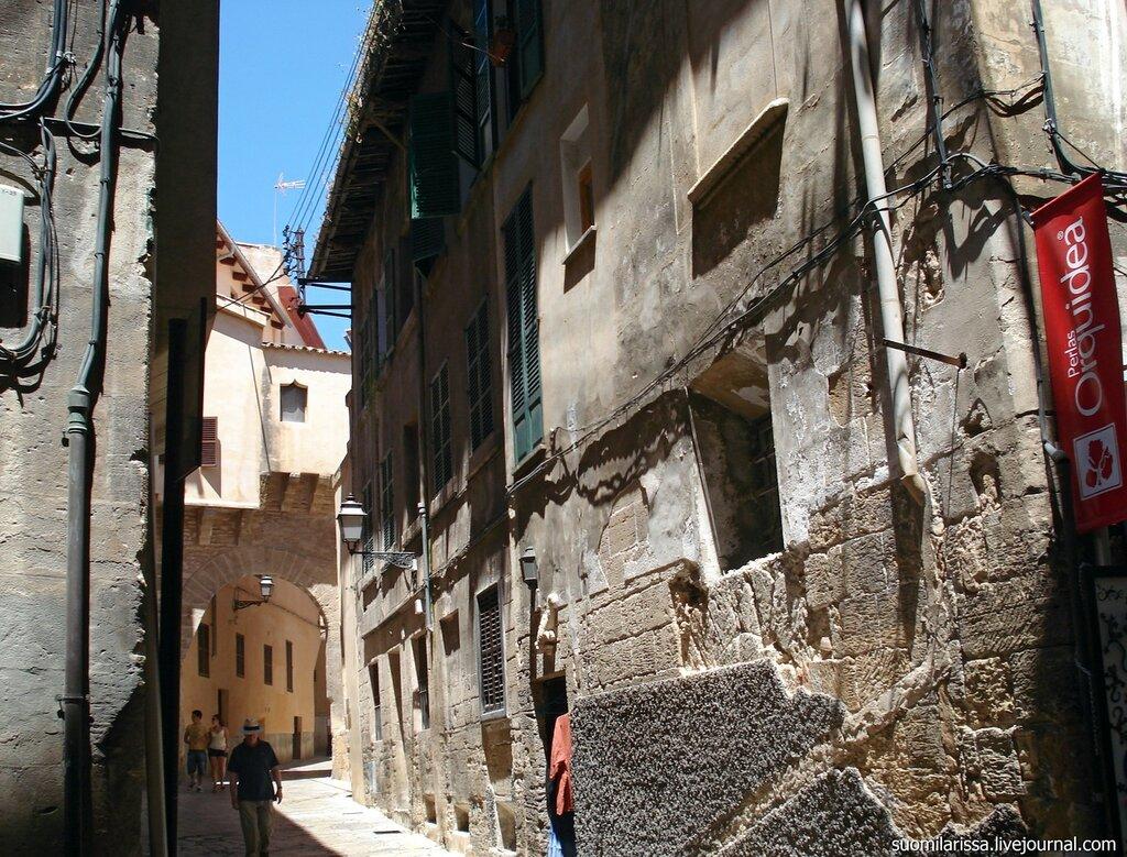 Гуляя по старинным улочкам...