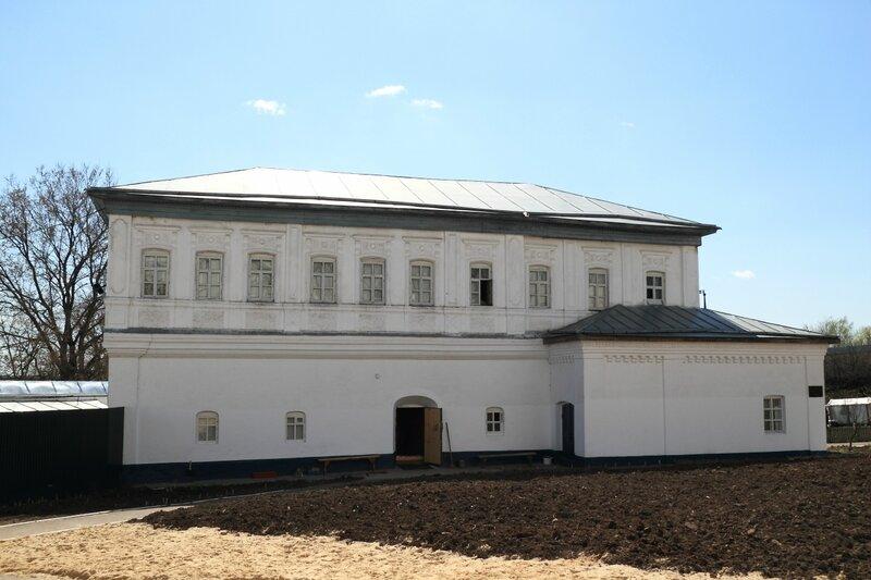 Свято-Боголюбский монастырь, Иустиновский корпус, Боголюбово