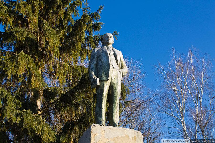 Памятник Ленину в парке (Краснослободск)